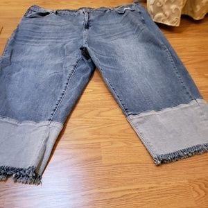 EUC crop denim capris with fringes.